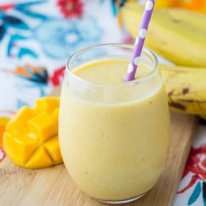 4 Ingredient Mango Banana Smoothie - A Healthy Tropical Drink