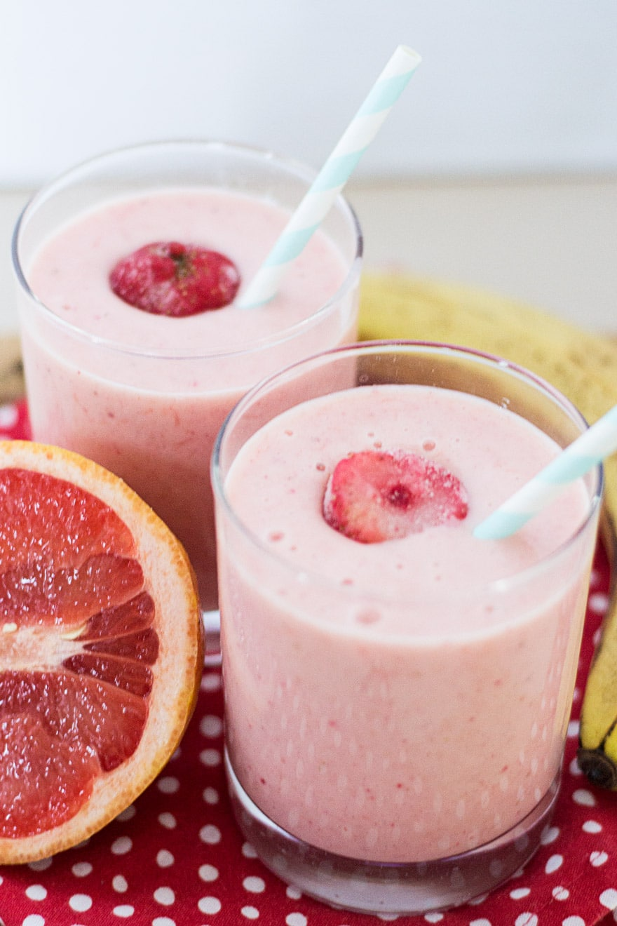 Creamy and Delicious Strawberry Grapefruit Smoothie